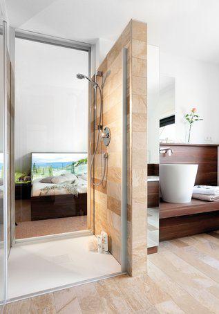 house-2224-die-rueckwand-der-duschkabine-zum-hauptschlafzimmer-besteht-aus-glas-sie-kann-hinter-einer-schieb-1