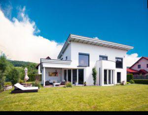 house-1006-aussenansicht-wolf-haus-modernes-haus-mit-pultdach-1