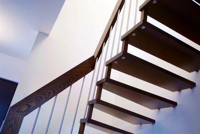 house-1255-von-schoener-leichtigkeit-die-treppe-ins-obergeschoss-2