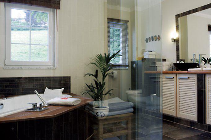 house-1354-dan-wood-villa-sonnenbad-1