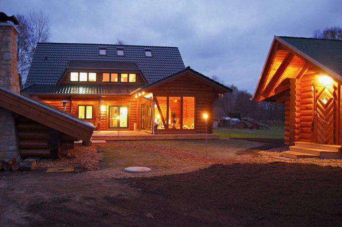 house-1636-romantisches-blockhaus-biocel-von-leonwood-3