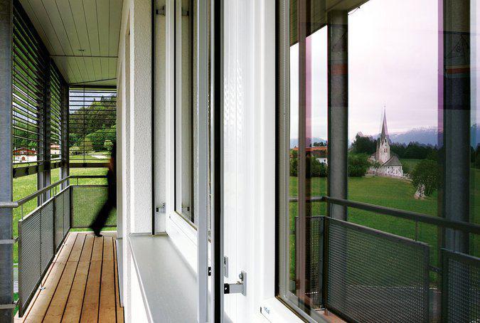 house-1665-individueller-haus-entwurf-ps-haus-in-hanglage-von-wolf-haus-2