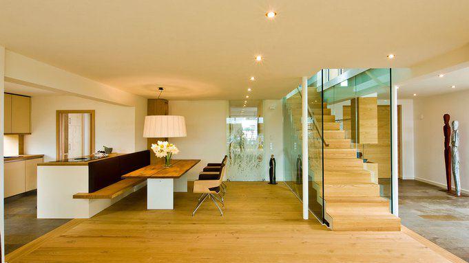 Wohnbereich im Holzhaus Qi