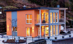 house-2043-am-steilhang-gebaut-ganz-schoen-schraeg