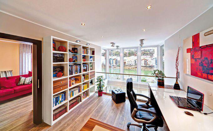 house-2043-das-arbeitszimmer-ist-ein-offener-raum-auf-der-galerie