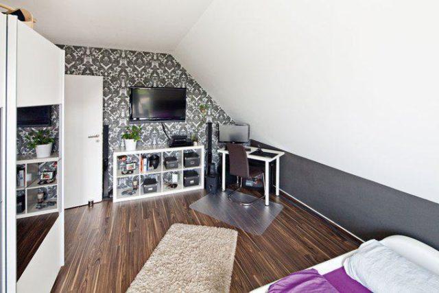 house-2128-cooles-zimmer-fuer-nicolas-der-sich-von-hier-aus-ungestoert-und-technisch-bestens-geruestet-media-1
