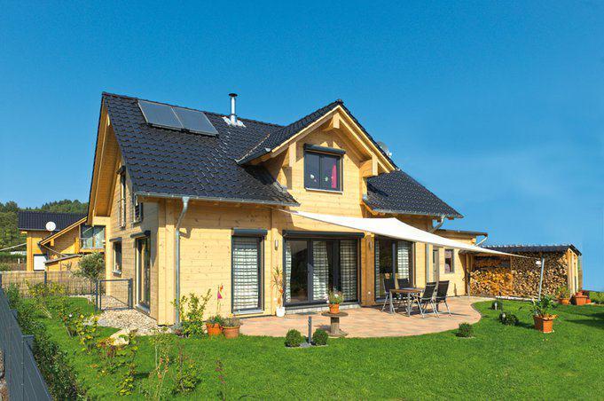 house-2190-alexander-koeder-hat-am-massiven-holzhaus-von-fullwood-fuer-seine-fuenfkoepfige-familie-selbst-mi-2