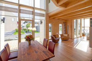 Im Erdgeschoss gehen die Räume ineinander über (Foto: Stommel)