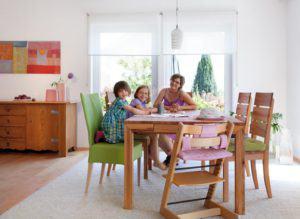 house-2632-familientreffpunkt-ist-der-grosse-esstisch-1