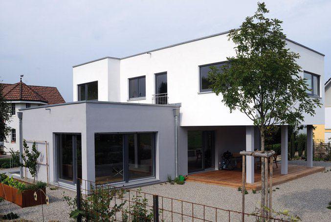 house-2752-zwei-stockwerke-zwei-farben-damit-wird-das-architektur-konzept-dieses-hauses-unterstrichen-1