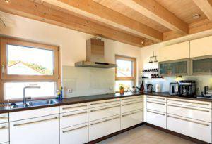 house-2756-typisch-sonnleitner-ist-die-markante-balkendecke-2