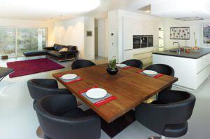 house-2767-geraeumig-mit-viel-platz-zum-leben-der-bereich-der-das-wohnen-essen-und-kochen-zusammenfasst-2