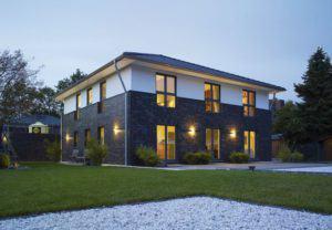 house-2904-die-klassische-mit-ihrem-flachen-zeltdach-ist-typische-vertreterin-ihrer-art-2