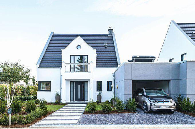 house-3006-auf-der-vorderseite-nimmt-der-verbindungsbau-die-garagen-auf-der-schlafzimmerbalkon-dient-als-ein-1