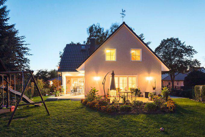 house-3066-drei-giebel-haus-von-roth-massivhaus-1