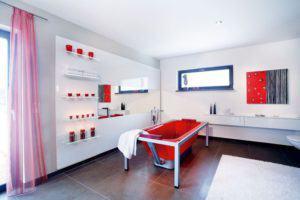 house-410-in-diesem-grosszuegigen-bad-mit-knallroter-design-wanne-lassen-sich-die-batterien-wieder-auftanke-2