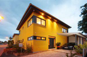 house-690-zwei-geschosse-ohne-beengende-schraegen-unterm-zeltdach-gut-belichtet-2