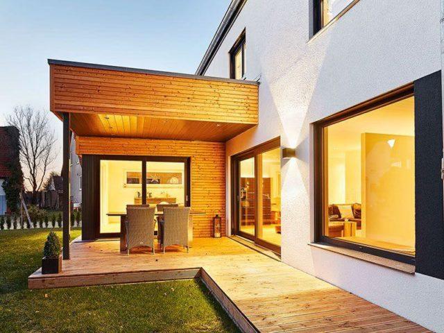 Landhaus 207 von LUXHAUS Gartenansicht
