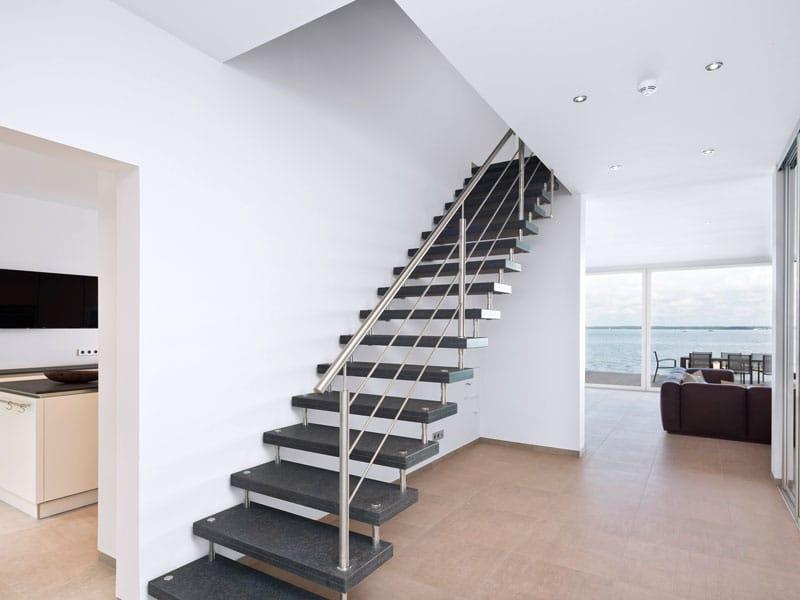 Treppe Villa am Meer von Heinz von Heiden