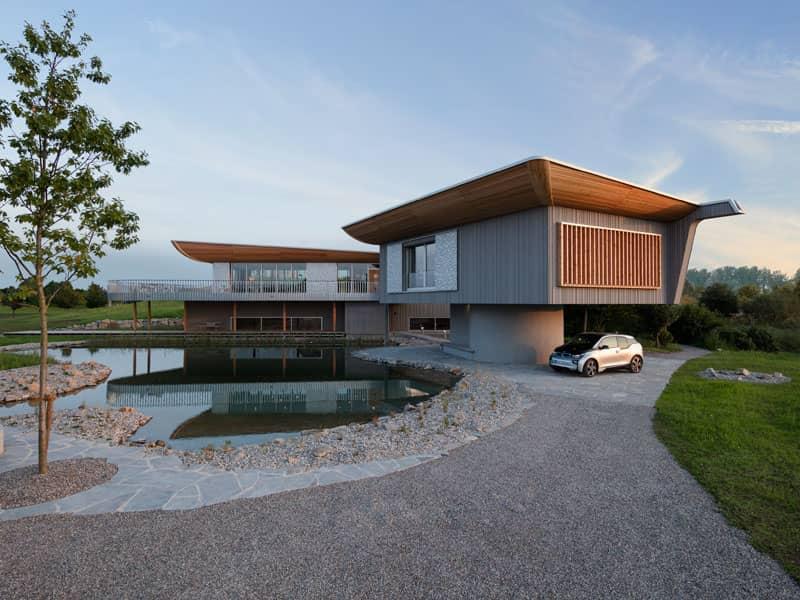 Aussenansicht der erhabenen Einliegerwohnung vom Entwurf Haussicht von Baufritz