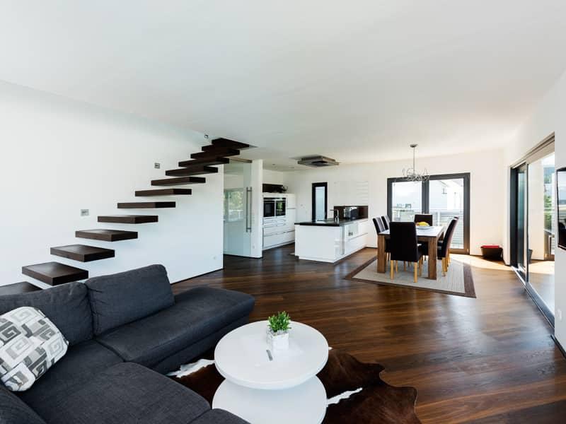 individuelles Kundenhaus von Büdenbender Hausbau Treppenaufgang