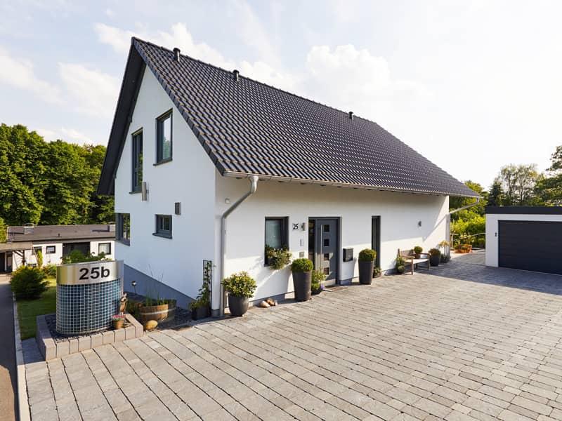 Entwurf Babelsberg von Gussek Haus Außen Hauseingang