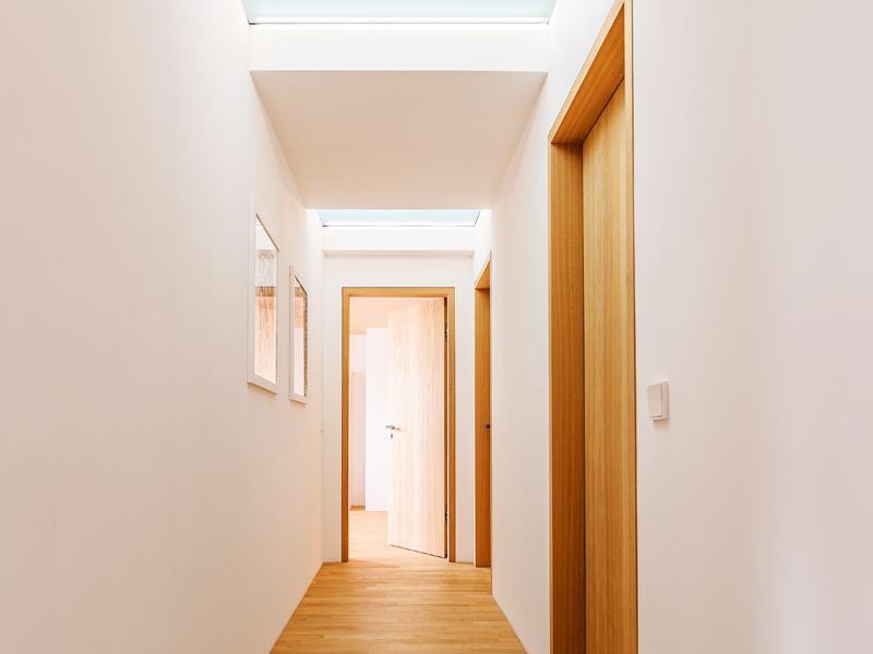 Der Dachgeschossflur mit viel Licht