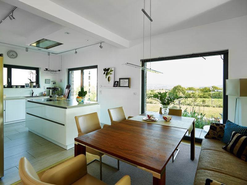 Kundenhaus Baggio von Gussek Koch Essbereich