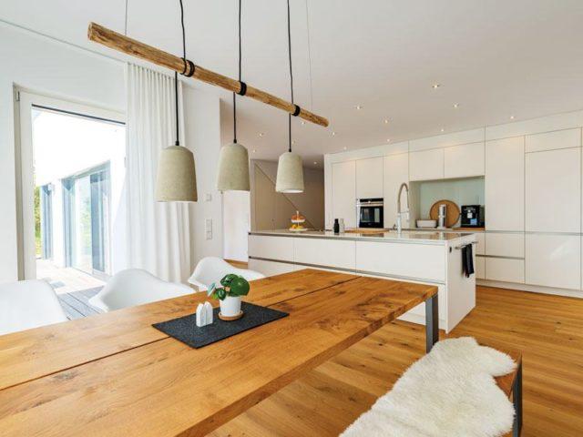 Koch- und Essbereich im Einfamilienhaus Herb