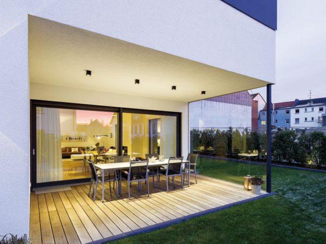 Kundenhaus Magnolie von Stommel Terrasse