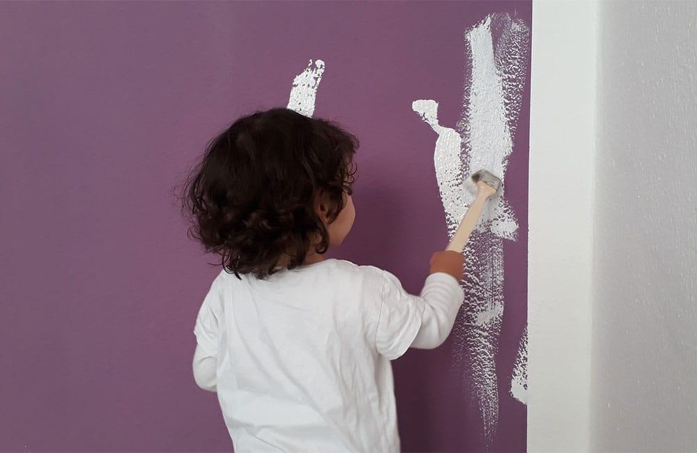 melinashomestyle ausbaustufe schlüsselfertig 001 Kind bemalt die Wand