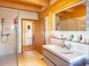LeonWood-Blockhaus_Villa-Certaldo_Badezimmer
