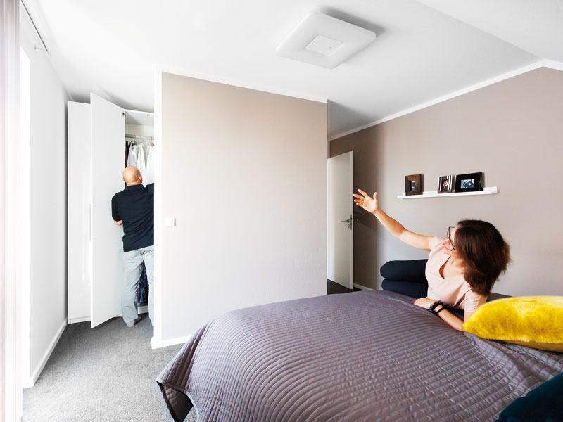Kundenhaus Rimsa von Schwörerhaus Ankleide Schlafzimmer Frau