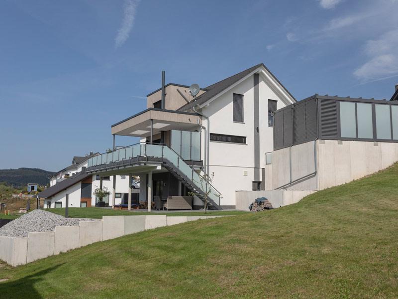 Haus Burgmann von Büdenbender Hausbau. Terrasse