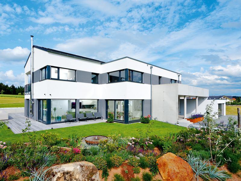 KfW Effizienhaus mit Einliegerwohnung von Weberhaus