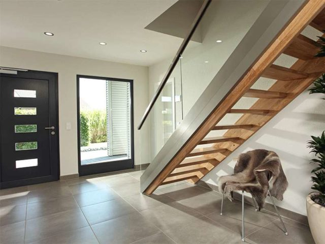 fingerhaus gmbh-musterhaus neo 300 in hannover von fingerhaus Eingang Treppe