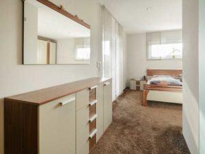 web_luxhaus-bungalow-walmdach-130-schlafzimmer.jpg