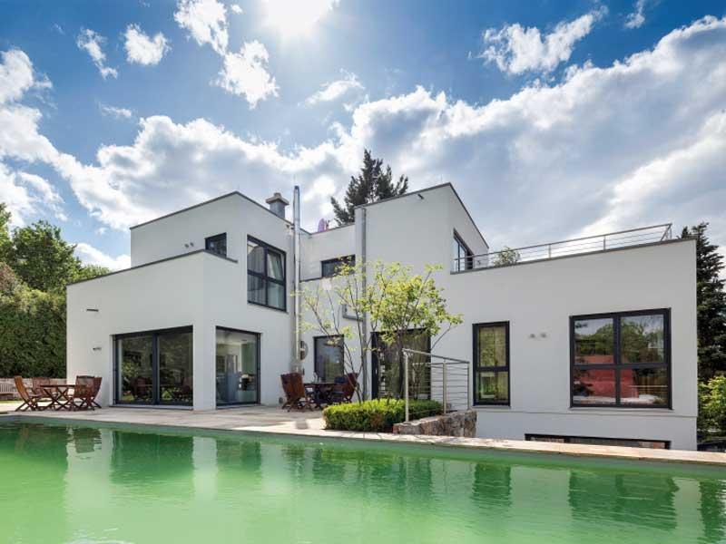 web_luxhaus-flachdach-283-Garten_aussenansicht