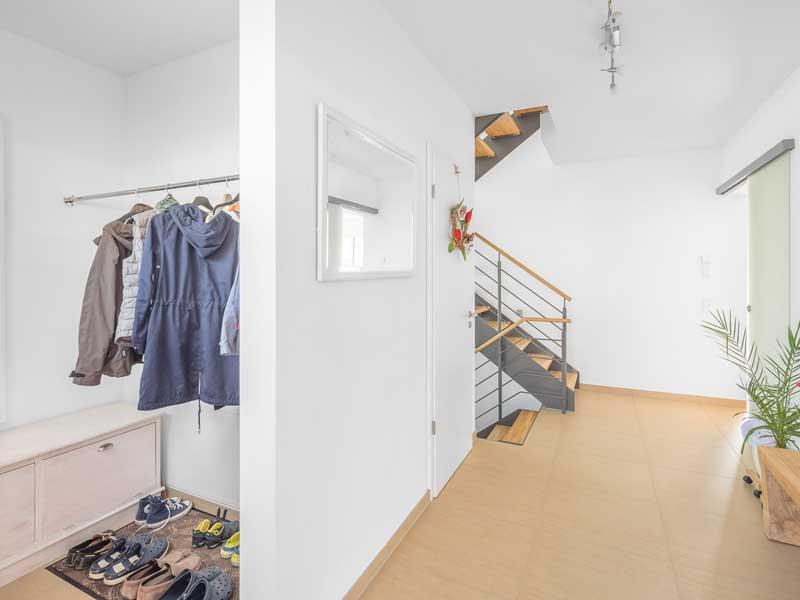 Kundenhaus Sulzdorf von Bittermann & Weiss Wohnen Garderobe
