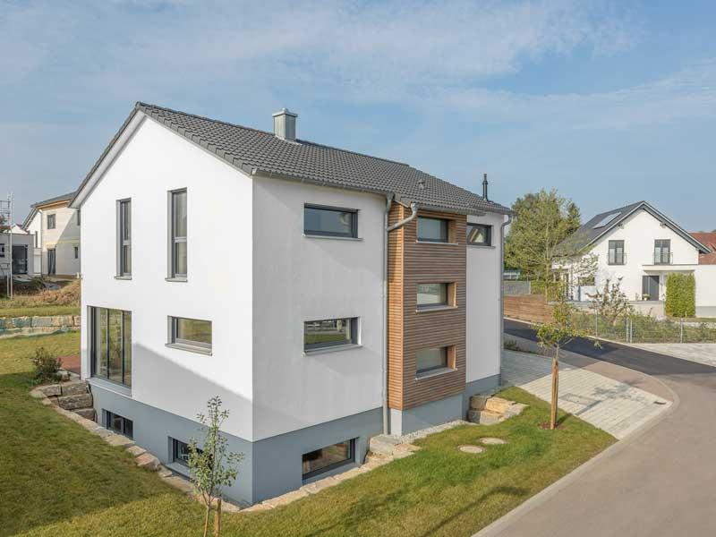 Kundenhaus Sulzdorf von Bittermann & Weiss Wohnen Strassenansicht