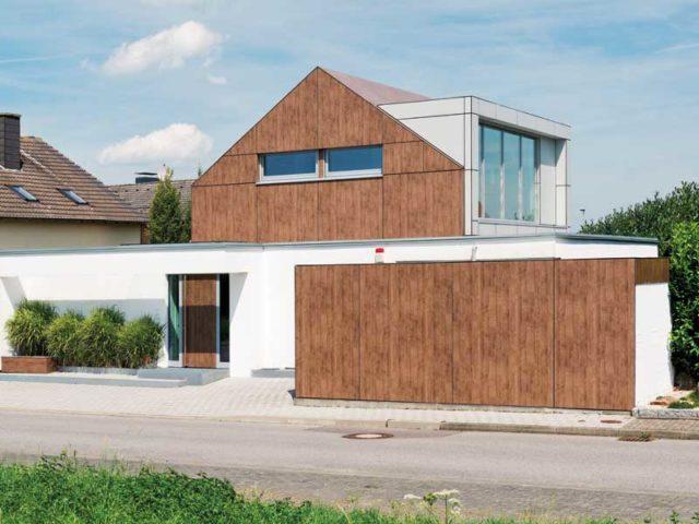Fassade aus Putz und Trespa-Platten