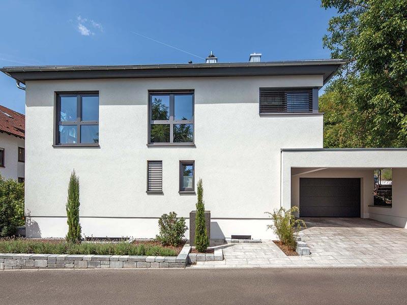 Integrierte Garage im Haus Althoff von Baumeister Haus