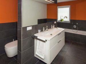 Badezimmer im Haus Augenthaler von Baumeister-Haus