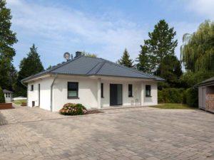Haus Valentin von Baumeisterhaus. Außenbereich Eingangsbereich