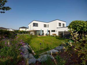 Haus Zech von Baumeisterhaus. Eingansbereich mit Terrasse