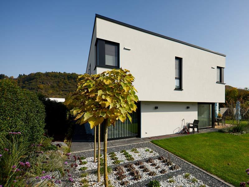 Haus Zech von Baumeisterhaus. Eckverglasung Seitenansicht