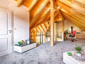 web_LeonWood-Blockhaus_Lancaster_Sichtdachstuhl