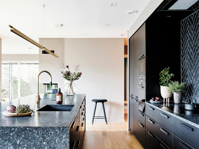 Traumküche mit edlem norwegischem Granit.