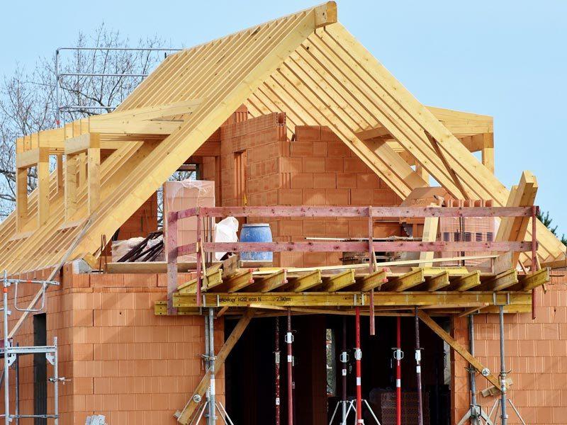 Ohne Versicherungen geht am und nach dem Bau nichts.