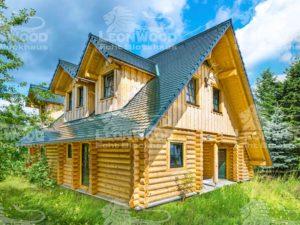 Blockhaus Waldschlösschen von Leonwood. Außenansicht mit Satteldachgaube